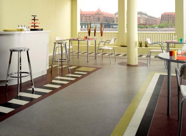 Коммерческий линолеум применяют в помещениях, где отмечается высокая проходимость