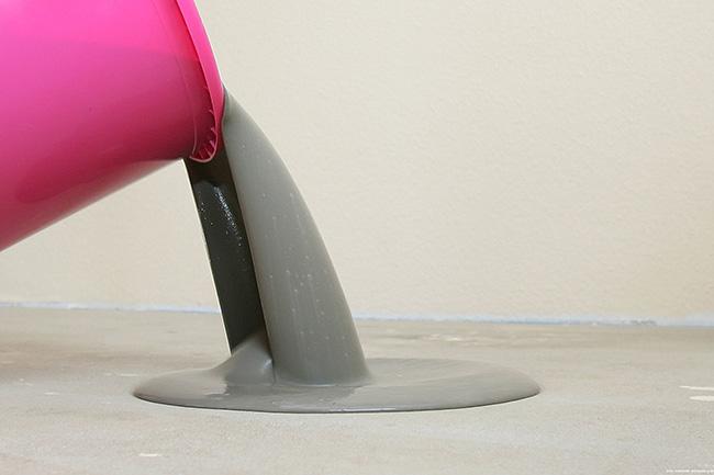 Для выравнивания поверхности пола широко применяются цементные составы