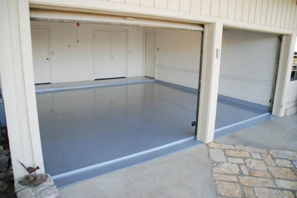 Наливные полы обладают всеми качествами, чтобы быть одним из лучших видов полов для гаража