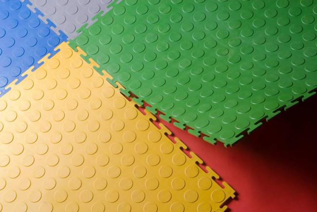 Модульное ПВХ-покрытие получило свое название благодаря большому количеству составных частей – плиток