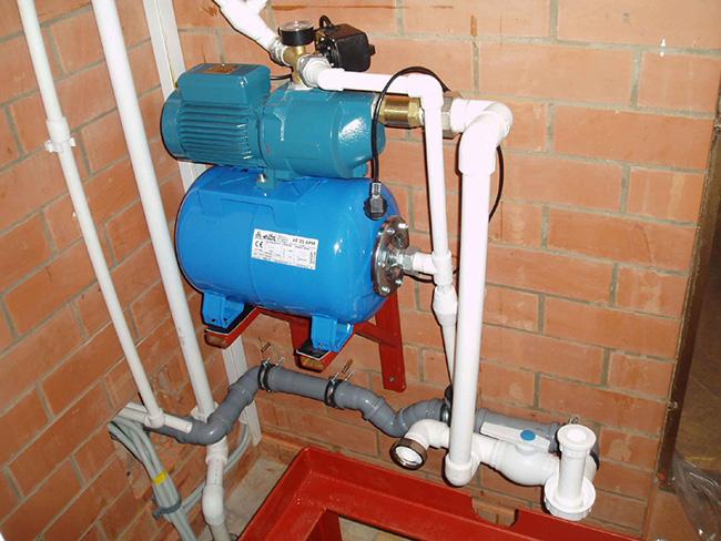 Основным критерием при выборе насосной установки является такая характеристика, как глубина, с которой будет транспортироваться вода