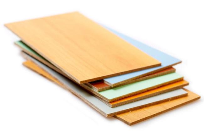 ДВПО производится путем нанесения лакокрасочного покрытия вальцово-ротационным методом глубокой печати на твердые древесноволокнистые плиты