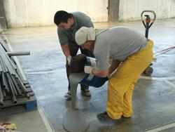 Устроить наливной пол своими руками не составляет большого труда