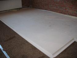 Система «Кнауф-суперпол» является современным видом устройства чернового напольного покрытия, с успехом заменяющим бетонную стяжку