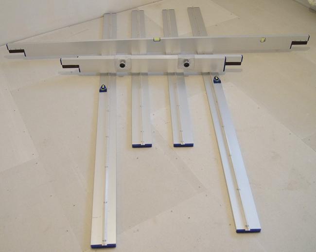 Комплект выравнивающих реек для сухой стяжки обеспечивает точное выравнивание засыпки