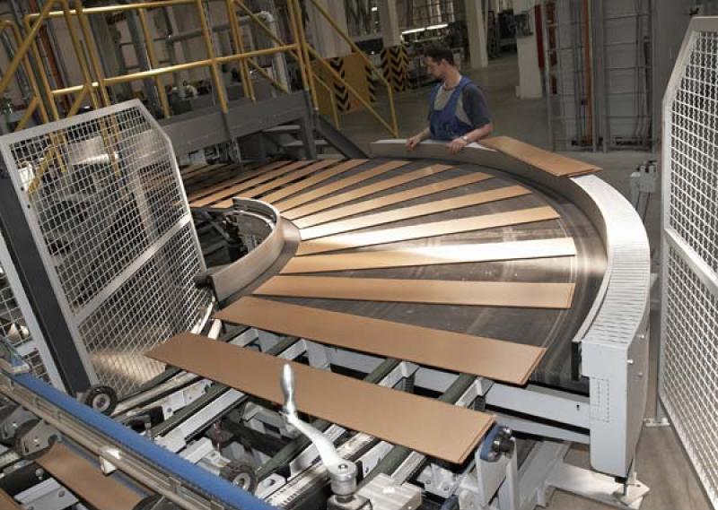 Основой ламината служит плита из спрессованных древесно-стружечных элементов
