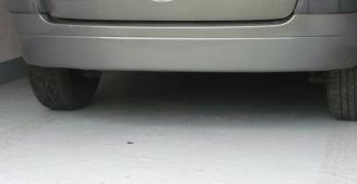 Бетонный пол выдерживает высокие нагрузки и отлично подходит для гаража