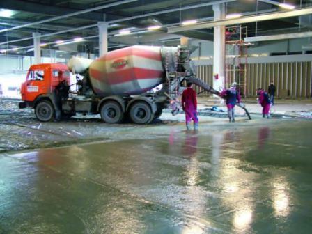 При устройстве бетонных промышленных полов должна соблюдаться специальная технология