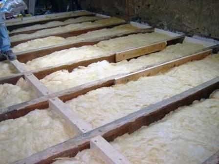 Монтаж лаг и теплоизоляции