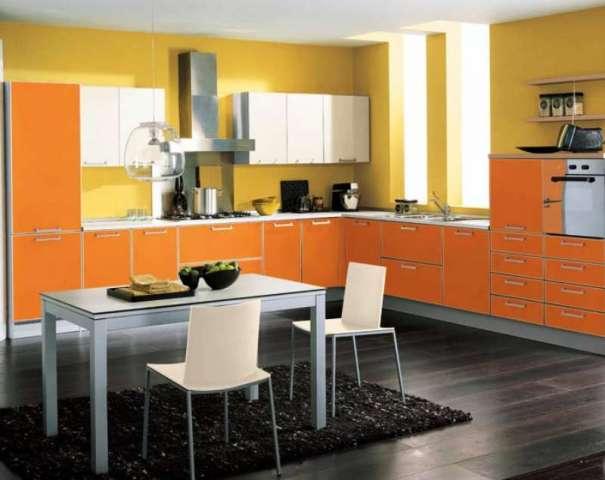 Если вы решили отделать кухонный пол плиткой, выбирайте варианты покрытия с нескользкой поверхностью