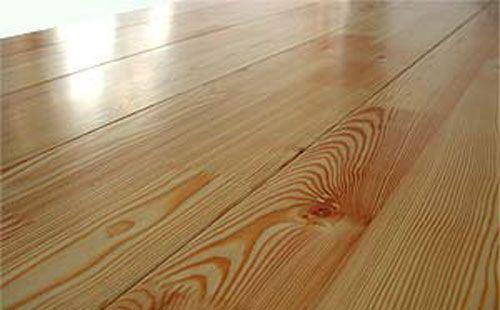 Для правильной укладки деревянного пола необходимо строго соблюдать технологию, а также уметь выбрать наиболее подходящий материал