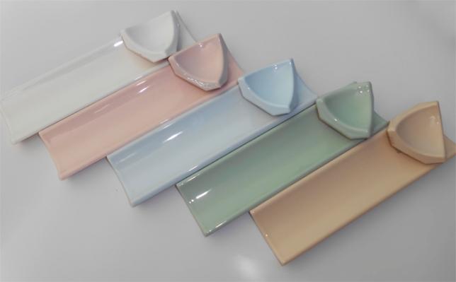 Керамический тип плинтуса для ванной очень популярен и востребован