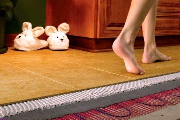 Плитка не воспламеняется и делает возможным использование системы «Теплый пол»