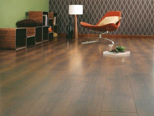 Натуральные ламинаты изготавливаются из древесины и являются достаточно дорогостоящими отделочными материалами