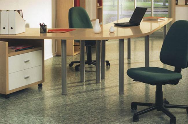 Линолеум полукоммерческого типа широко используется в качестве напольного покрытия для офисов