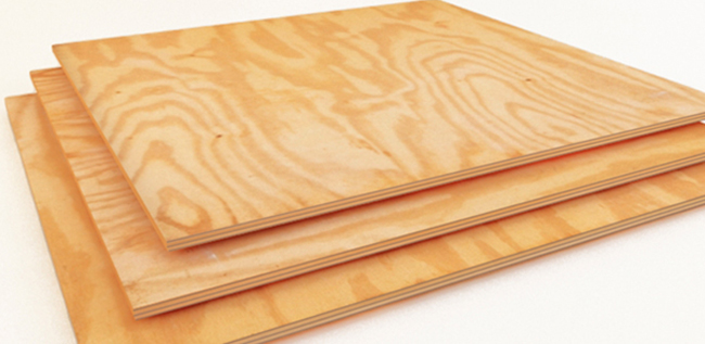 Листы фанеры изготавливаются из спрессованных слоев древесины, соединенных клеевым составом