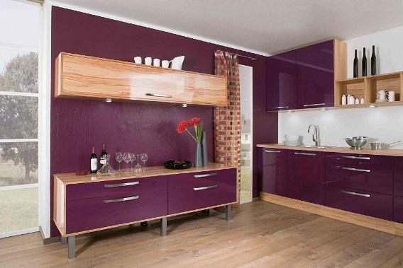 Ламинаты «белёный дуб» прекрасно подходят для хорошо освещённых помещений и органично сочетаются с фиолетовыми и сиреневыми оттенками