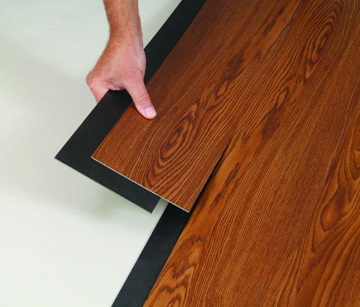 Мягкий ламинат является напольным покрытием, состоящим из отдельных двухслойных фрагментов