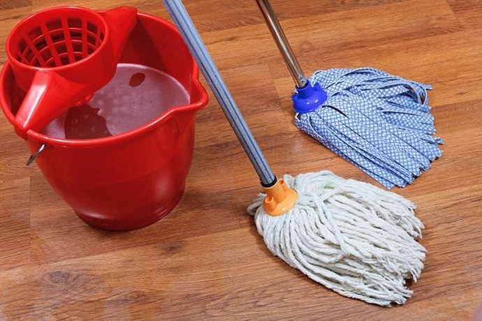 Веревочная швабра состоит из ручки с креплением и веревочного мопа (насадки)
