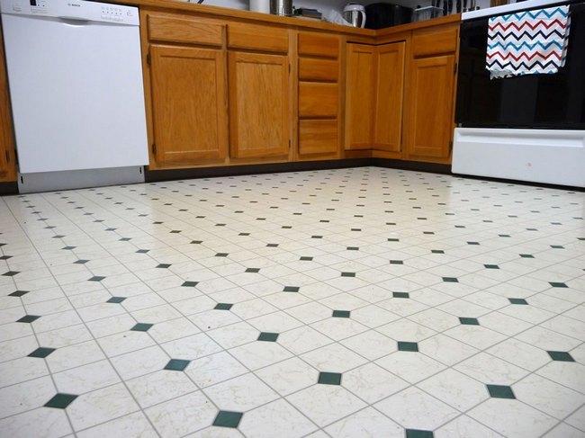 Для кухни приемлемо подобрать покрытия с показателем 23, в коридоре лучше подойдет материал 31 или 32