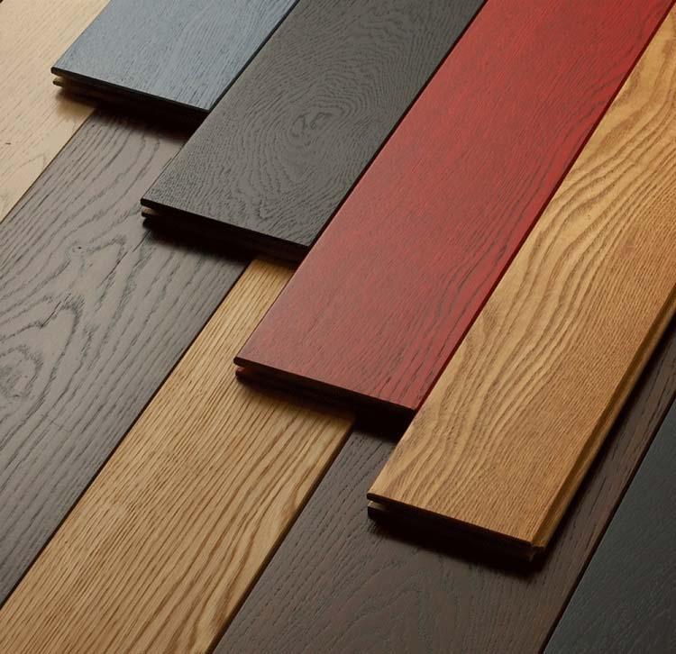 Ламинированные доски могут обладать различными типами поверхности, толщиной и видами замковых соединений
