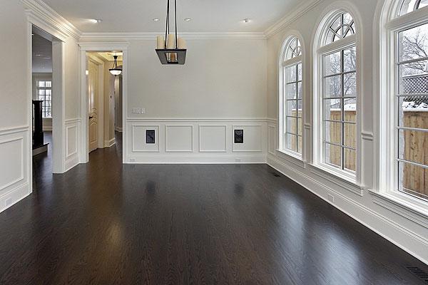 Очень важно правильно осуществить выбор цвета, который будет органично дополнять интерьер в помещении
