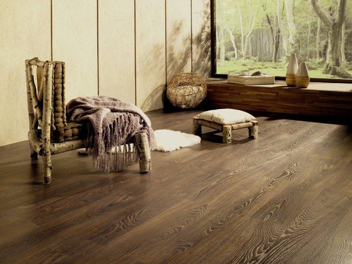 Ламинатное покрытие под маркой Tarkett имеет наибольшую схожесть с натуральной древесиной
