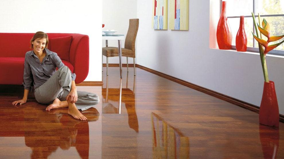 Зеркальные виниловые ламинаты используются в дизайнерских решениях современных интерьеров