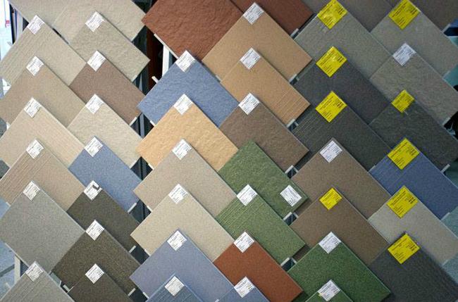 В магазинах можно приобрести наилучшим образом подходящую под разработанный дизайн напольную плитку