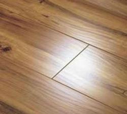 «Tarkett» – это высококачественный ламинат, который одинаково хорошо подходит как для офисных, так и для жилых помещений