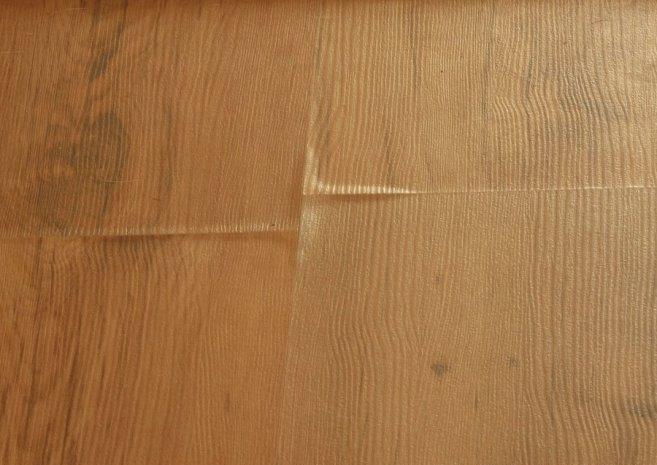 С течением времени любой тип ламинированного напольного покрытия способен приобрести очертание чернового пола