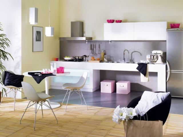 С приходом моды на роскошь керамическая плитка стала очень популярна в качестве напольного покрытия в кухне