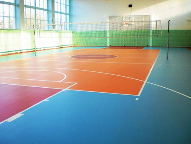 Спортивный линолеум изготавливается специально для гимнастических и  тренажерных залов, детских и спортивных учреждений