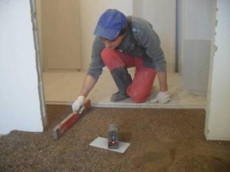 За счет слоя керамзита насыпной пол обладает низким уровнем теплопроводности