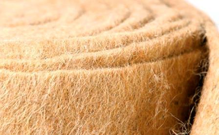 Волокно льна очень прочное и малорастяжимое, но способно поглощать влагу