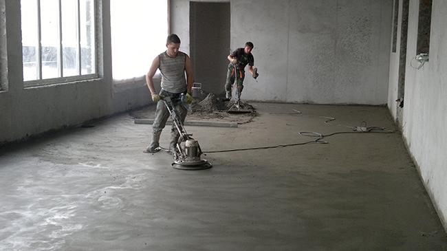 Применение полусухой стяжки обусловлено желанием ускорить процессы по формированию качественных оснований под напольное покрытие
