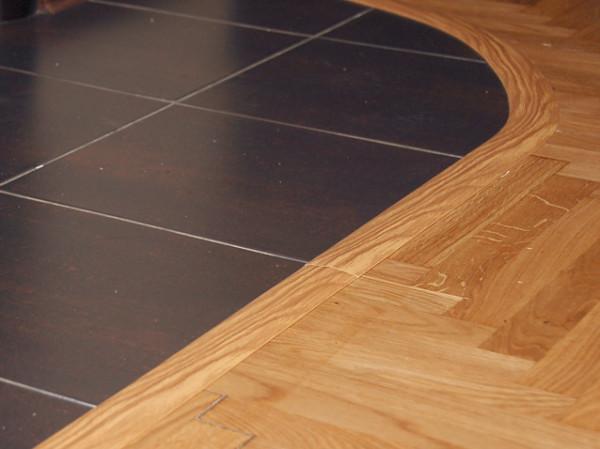Пороги следует использовать с целью укрепления напольного покрытия и дополнительного декорирования