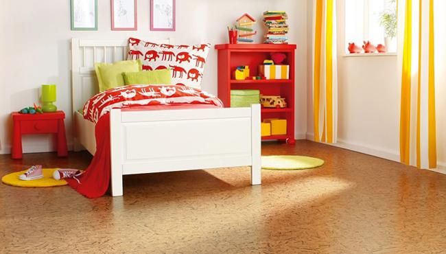 Паркет прекрасно подходит для обустройства интерьера детской комнаты