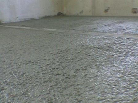 Составные части бетона – цемент, песок и вода (смешанные в нужных пропорциях)