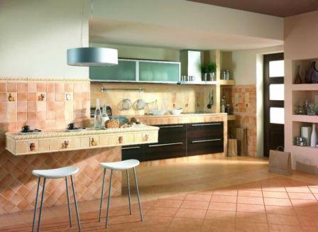 Керамическая плитка – очень долговечный и водостойкий материал. Хорошо подходит для рабочей зоны