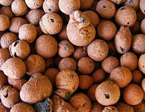 Керамзит - это легкий, прочный, пористый материал из обожженной глины