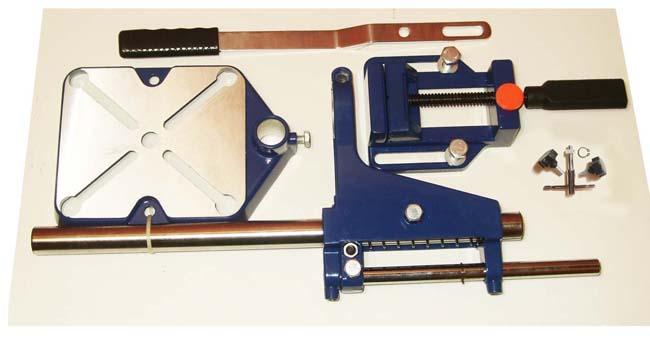 Чтобы дрель при работе не раскачивалась, используется специальный штатив