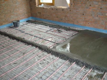 Если бетонную смесь приготовить неправильно - то пол служить долго не будет