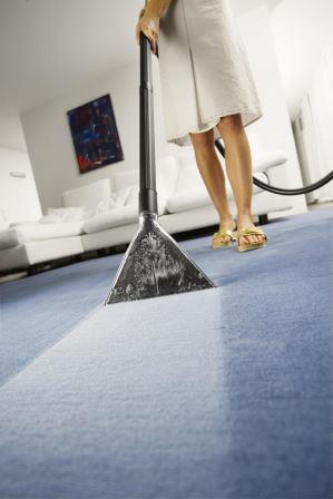 Полноценная уборка и чистка коврового покрытия возможна только моющим пылесосом