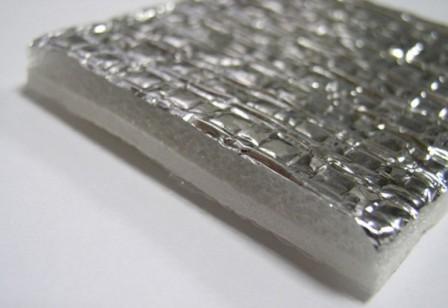 Пефонол считается утеплителем последнего поколения. Изготавливают его из алюминиевой фольги вспененного полиэтилена