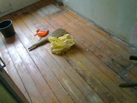Любой ремонт начинается с подготовительных работ – удаления старого покрытия и уборки