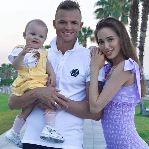 Дмитрий Тарасов и Анастасия Костенко запускают семейный бренд одежды