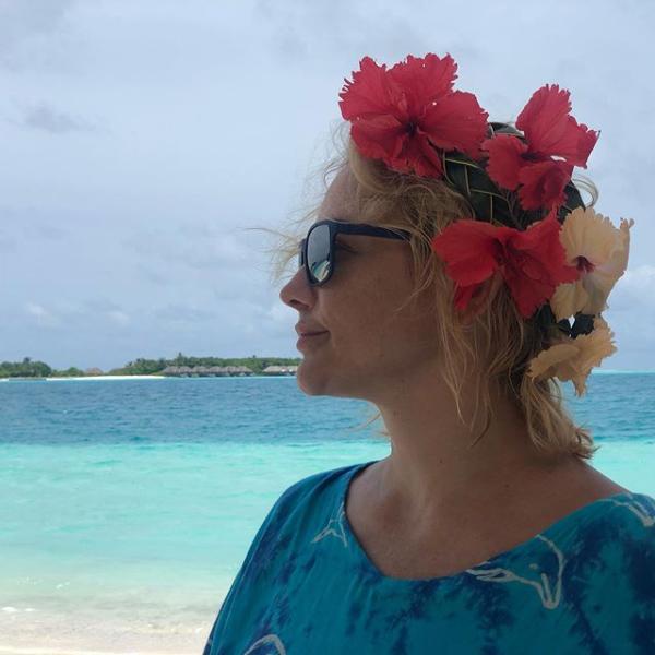 50-летняя Татьяна Буланова поделилась пляжным фото с Мальдив из первого за пять лет отпуска