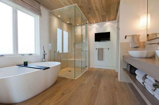 Ламинат для ванной комнаты: серьезный соперник традиционной плитки