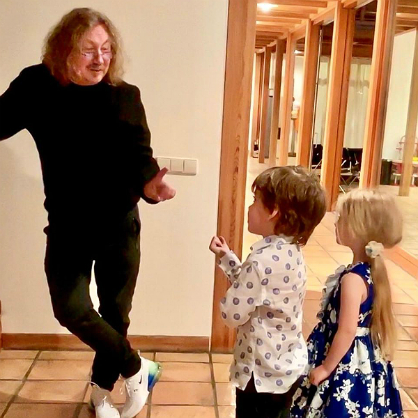 Игорь Николаев трогательно поздравил детей Пугачевой и Галкина с 6-летием